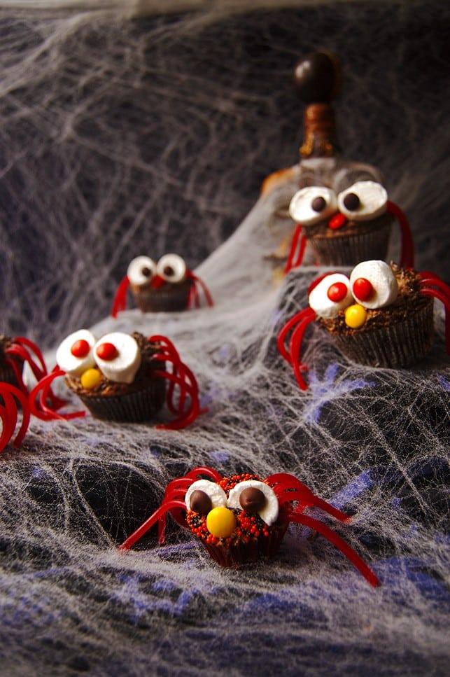 Halloween Spider Cupcakes | 2Teaspoons.com