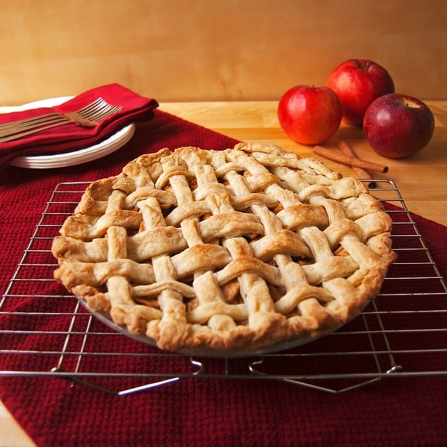 Homemade Apple Pie | 2Teaspoons