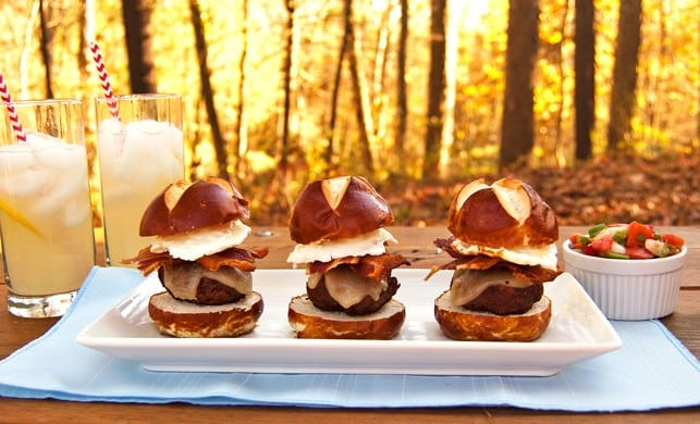 Cowboy Burger Sliders with Fresh Salsa - 2Teaspoons
