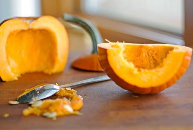 How to Make Homemade Pumpkin Puree - 2Teaspoons