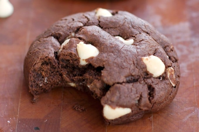 Chewy Chocolate Brownie Cookies - 2Teaspoons