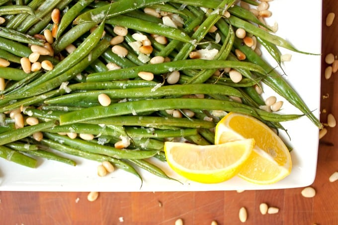 Lemon Garlic Green Beans with Toasted Pine Nuts - 2Teaspoons