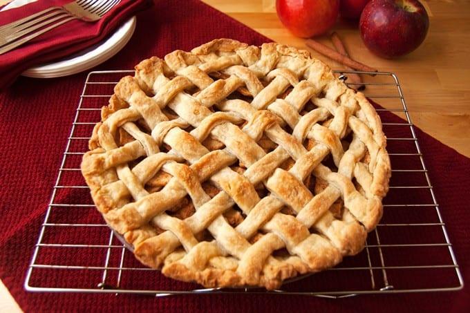 Homemade Apple Pie - 2Teaspoons