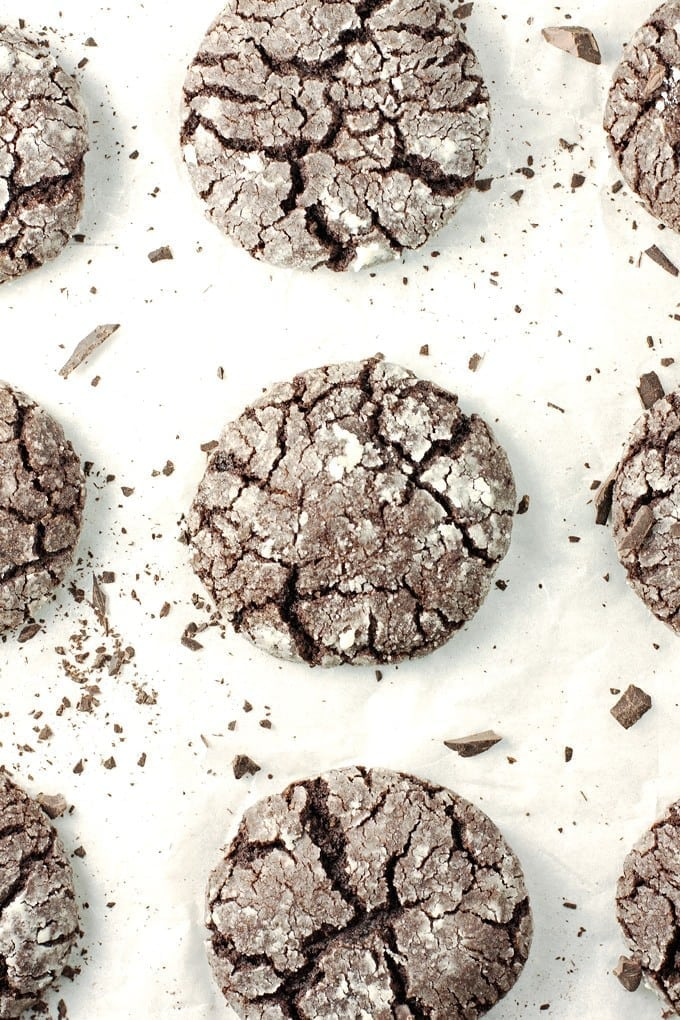 Chocolate Crinkle Cookies - 2Teaspoons