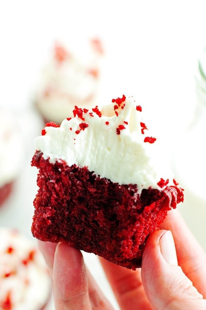 Red Velvet Cupcakes with Cream Cheese Frosting 2teaspoons
